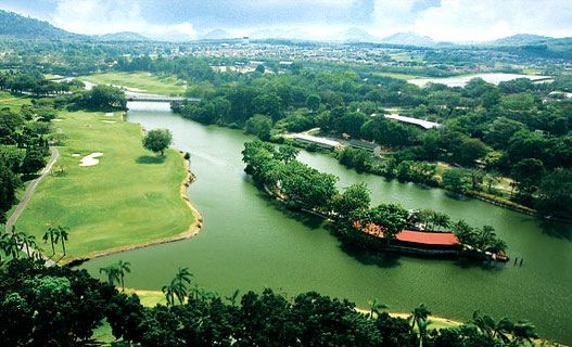 A' Famosa Country Club