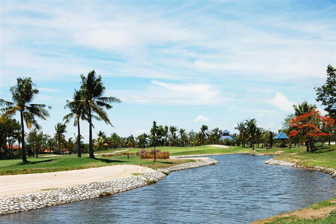 Royal Lakeside Golf Club Resort