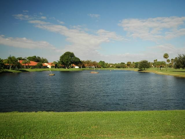 Palm Aire Country Club - The Mighty Oaks