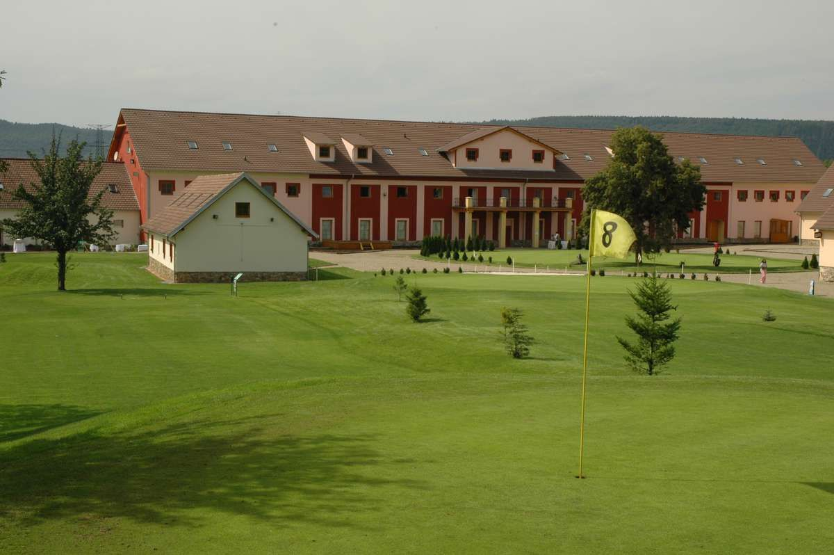 Zbraslav - Prague City Golf - 10. jamka (9)