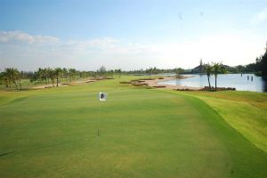 Royal Lakeside Golf Club Resort - Green Fee - Tee Times