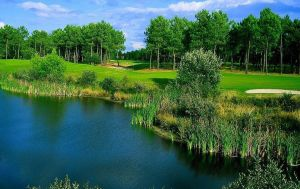 Golf de Pessac - Compact 9 trous - Green Fee - Tee Times