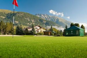 Engadine Golf Club - 3 Samedan 9-Loch ab Tee 10 - Green Fee - Tee Times